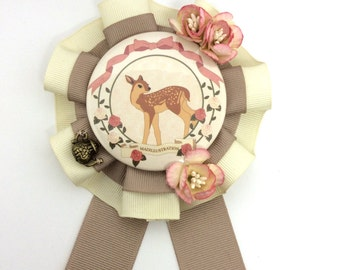 Deer Fashion Rosette Brooch – Taupe x Cream