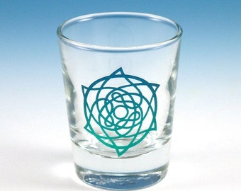 SUMMER SALE Celtic Star Shot Glass - Inlaid Style - Etched and Painted Glassware - Custom Made to Order