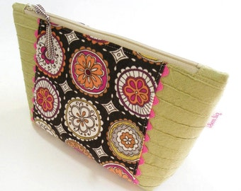 ZIPPER POUCH - Corduroy and Pin Tucks
