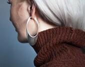 one way or another oval hoop earrings / sculptural earrings / minimalist earrings / 853a