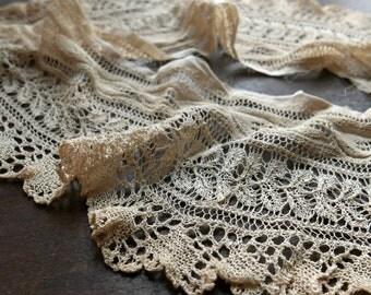 Antique Knit Lace Collar