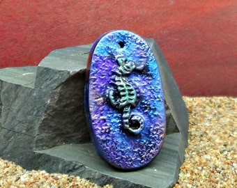 40 x 22 mm oval Seahorse Pendant - handmade - simulated Raku - Polymer Clay