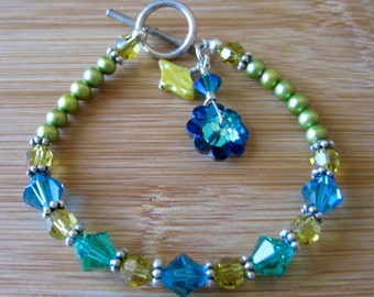 Charming Bracelet of Swarovski Crystal and Freshwater Pearls in Lime and Blues