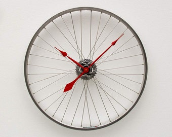 Recycled Bike Wheel Clock
