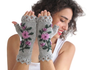 Stumpwork Gloves Mittens - Grey Main Color
