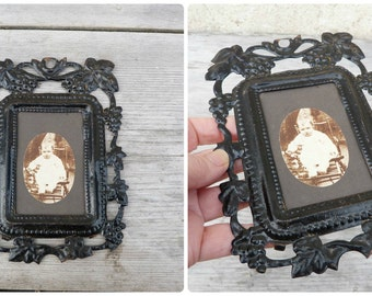 Vintage Antique 1850 /1900 Victorian French black painted tole metal cut out photo frame