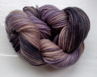 Hand painted merino yarn 100g dk dusky pink, violet, smoky purple by SpinningStreak