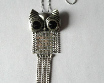 Adorable Vintage Owl Pendant Necklace Articulated Wings & Legs Owl Jewelry