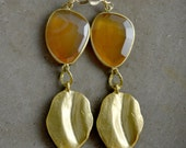 Elizabeth Earrings in Carnelian and Gold
