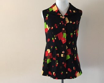 Mod Sleeveless Tunic Top Vintage 1970s Lucite buttons Sz M