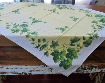 Vintage 50s Grapevine Vineyard Kitchen Dining Cotton Crepe Birdseye Tablecloth Winery Farm House Cottage or Country Wedding