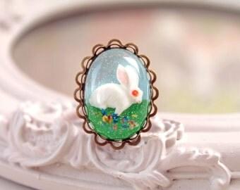 White bunny rabbit in resin  ring kawaii Lolita oval Alice in Wonderland