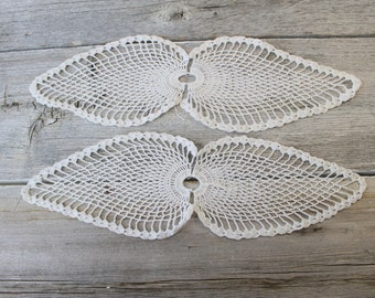 Two Starched Leaf Crochet Doilies, Doillies, Vintage Doily, White Doily, Cream Doily, Ecru Colored, Wedding Table, Lace doilies,