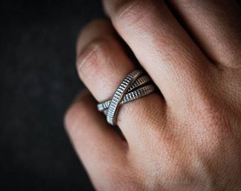 Wedding Band with Tread Pattern, Blackened Rolling Ring in Argentium Sterling Silver, Size 7