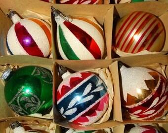On Sale Vintage 1950's Christmas Bulbs, Pretty Pink, Glass Bulbs 12 retro 50's X-Mas Holiday Santa Land Glitter Christmas Tree Decorations,