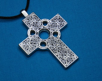 Small Traditional Celtic Cross, handmade in Silver Pewter STK024