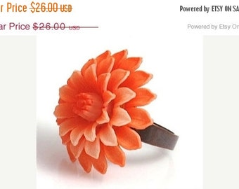 ON SALE Dahlia Ring, Flower Ring, Vintage Ring,Orange Ring,Vintage Orange Dahlia Ring