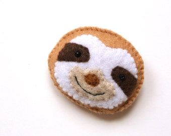 Sloth Felt Brooch Sloth Felt Pin Felt Plush Sloth Unique Fashion Accessory Funny Sloth Smile Handmade Stuffed Animal Sloth Cute Sloth Brooch