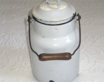 milk pail . white enamel milk pail . distressed milk pail . white enamel . German lunch pail . german milk pail