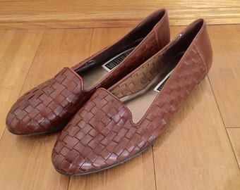 30% Off SALE 90s The Leather Collection Cognac Brown Woven Leather Loafer Flats, Size 10