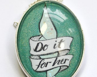 """Pearl Steven Universe """"Do It For Her"""" Hand Painted Pendant"""