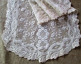Antique Lace Table Runner Vintage Linens Chemical Lace Dresser Scarf MINT