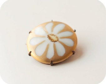 Antique Porcelain Brooch, Victorian Brooch, Flower Brooch, Vintage Brooch, Porcelain and Gold Luster Brooch, Antique Pin, Antique Jewelry
