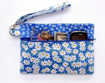 Blue White Wristlet Clutch, Daisy Print Wallet, Small Zippered Floral Purse, Makeup or Phone Holder, White Daisies Camera or Gadget Bag