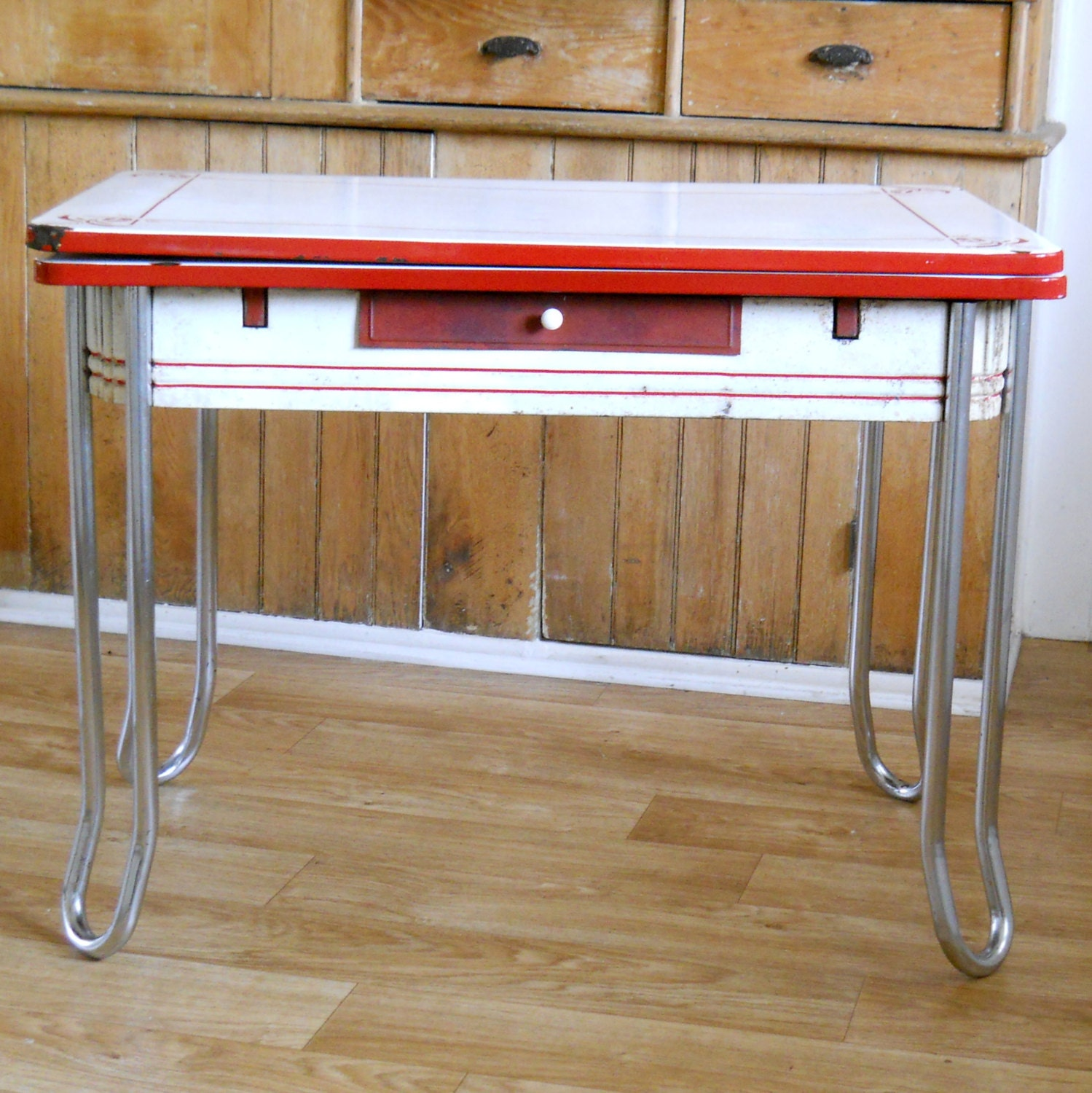 Vintage Chrome Kitchen Table: Kitchen & Dining