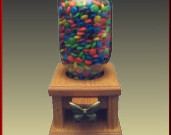 Candy Dispenser with Butterfly Knob