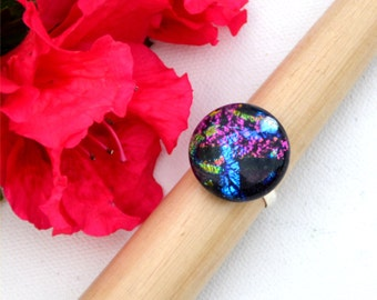 027 Fused dichroic glass ring, adjustable, silver plated, purple, blue, green and silver