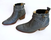 vintage 1970s 1980s GREY gray leather western ankle boots wild COUNTRY wrap ankle strap buckle womens 8 8 1/2 CHELSEA boho desert festival