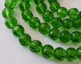 20pcs - 8mm Faceted Green round Glass beads