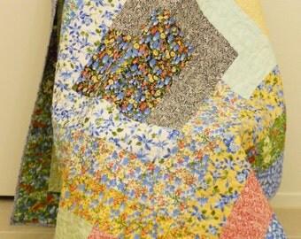 Floral Quilt / Shabby Chic Quilt / Floral Lap Quilt / Floral Sofa Quilt / Floral Throw  / Floral Quilted Blanket