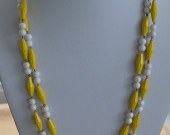 "Pretty Vintage Yellow, White Plastic Beaded Necklace, 47"" (U10)"