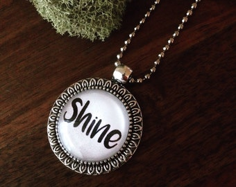 Shine pendant necklace