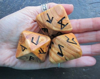 Unique and Exclusive, Natural Wood - Rune Dice - in Larch Wood. Set 99.