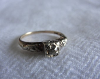 antique 14k two toned gold diamond solitare engagement ring size 5.75