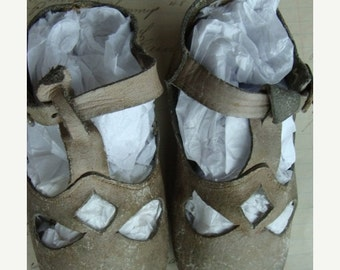 ONSALE Antique Old Tattered Edwardian Shoes for Small Child