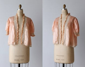 Peach Pink 1940s Bed Jacket / Vintage 1940s Lingerie / 1940s Bed Jacket / Silk Bed Jacket / Forty Winks