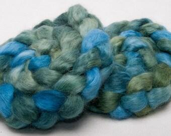 English Wensleydale hand dyed painted top roving spin felt  braid 104g British wool Lea Yat