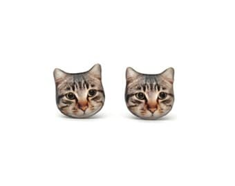 Smart Shorthair Tabby Cat Kitten Stud Earrings - A025ER-C20  Made To Order / Pet memorial gift / Pet Jewelry / personalized / Cat Lover gift