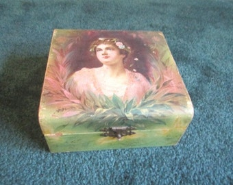 Antique Edwardian Dresser Box with Lovely Girl