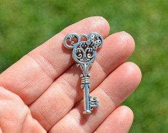 5 Silver  Key Charm SC4052
