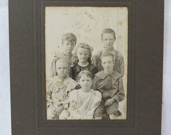 Antique photograph cabinet card portrait family of 6 kids children