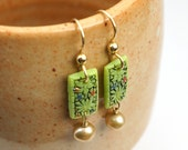 Green floral link earrings, with freshwater pearls, vintage Japanese glass
