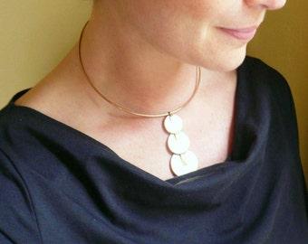 Art deco choker Short necklace Wire necklace Vintage brass Art Deco statement necklace Gold choker Gold necklace Large choker Unique choker