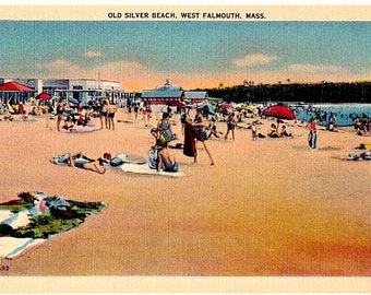 Cape Cod Vintage Postcard - Beachgoers at Old Silver Beach in West Falmouth (Unused)