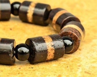 Vintage Tibetan Striped Agate Dzi Bead Bracelet on Stretch Cord
