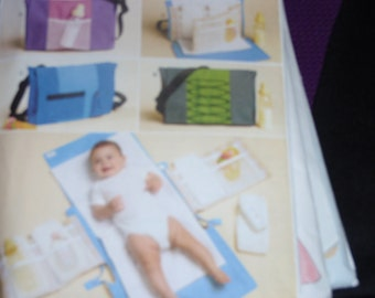 Butterick 5833 Baby's Changing Pad and Diaper Bag   New Uncut